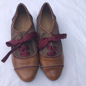 Bakers flats tie up, classic vintage look